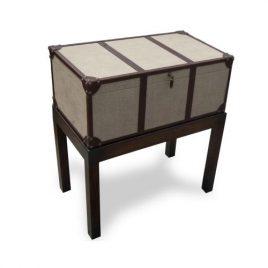 Mesa com baú